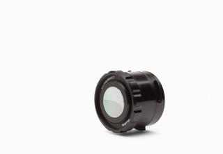 25 Macro lens_1280x885px_E_NR-19420