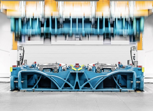 Audi Toolmaking has developed a new generation of tools with structures that improve the transmission of forces and with lightweight and composite construction methods that are used in car-body construction. The new tools are up to eight tons lighter and also more stable than their predecessors. This makes the processing of sheet metal in the presses faster and more precise.
