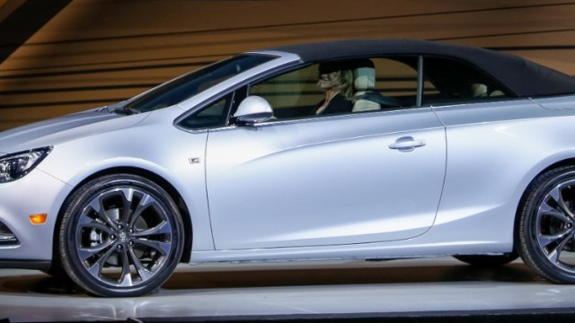 BuickCascadaReveal01