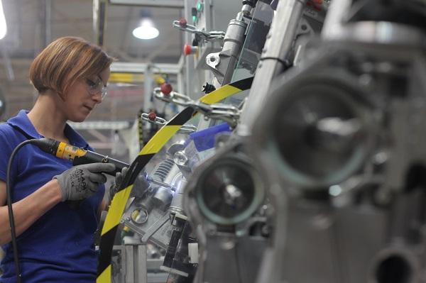 Montaż_elektrycznego_układu_kierowniczego_EPS_w_tyskiej_fabryce_Nexteer_Automotive_maly