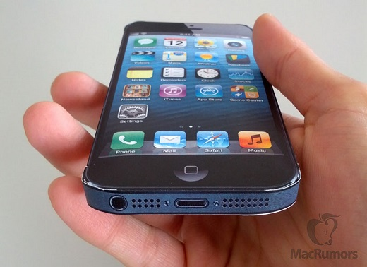 Papercraft-five-inch-iPhone-model-CiccareseDesign-002_m
