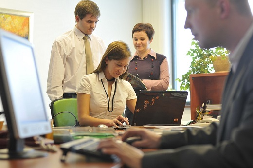 Studenci podczas praktyk w PROMAG S.Asmall_m