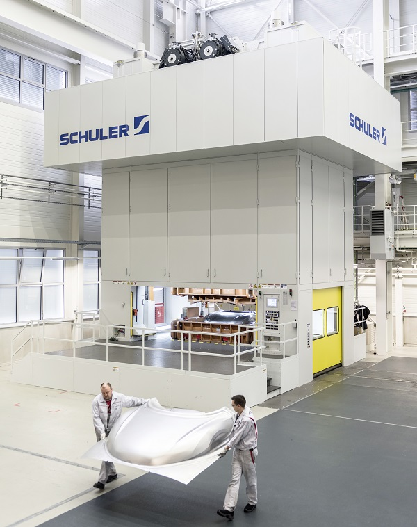 Neue Tryout-Presse fuer Audi-Werkzeugbau  in Neckarsulm