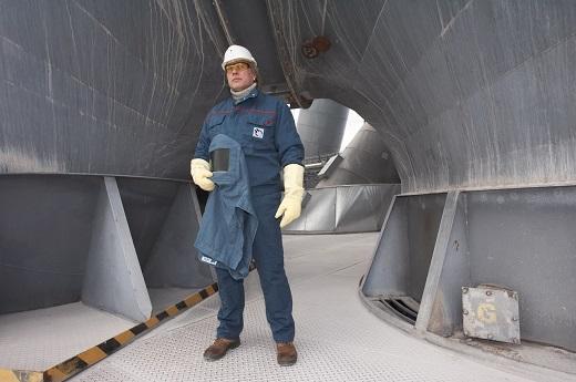 MEWA EXCLUSIVE® CEMENT bietet optimalen Schutz vor Extremtemperaturen und heißem Zement, dem sogenannten Heißmehl.